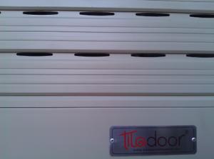 Cửa cuốn khe thoáng công nghệ Đức Titadoor