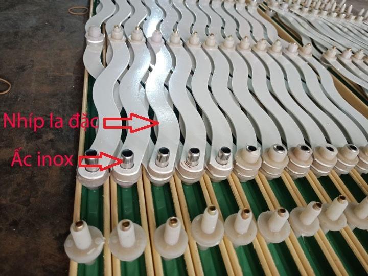 Cửa kéo Đài Loan loại tốt được sử dụng nhíp la đặc, và ấc inox