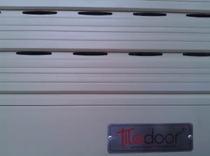 Cửa cuốn khe thoáng Titadoor